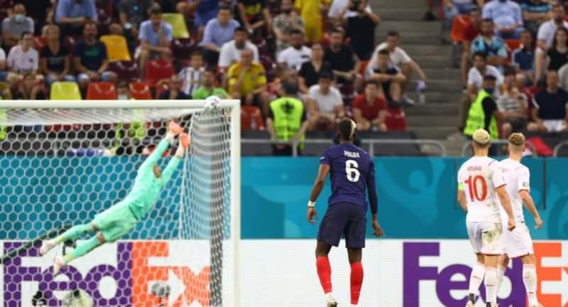Pogba'nın ceza sahası dışından attığı şık gol!