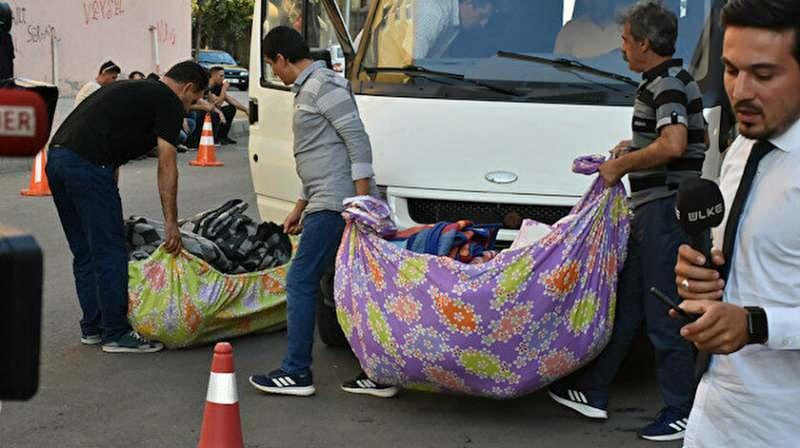 HDP il binasından çıkan battaniyeler.