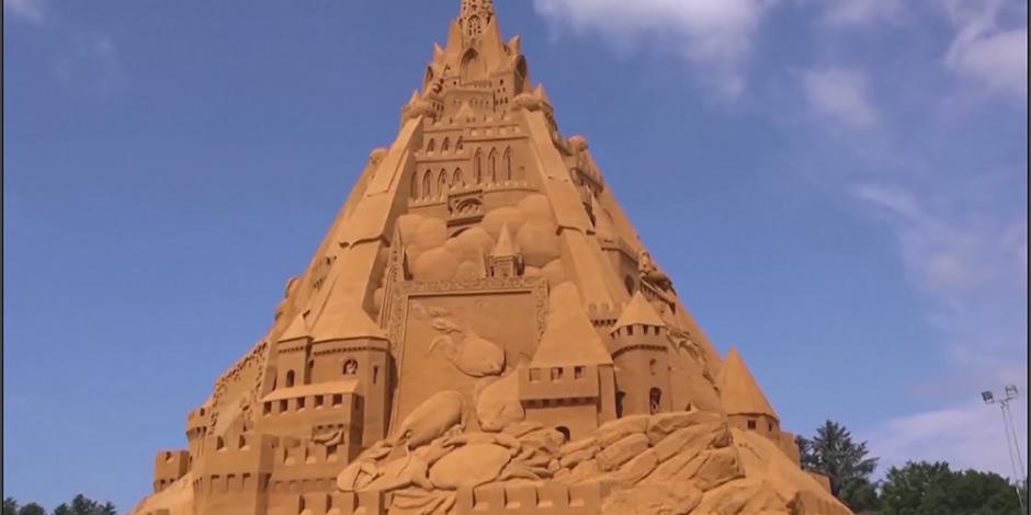 Dünyanın en büyük kumdan kalesi Danimarka'da inşa edildi
