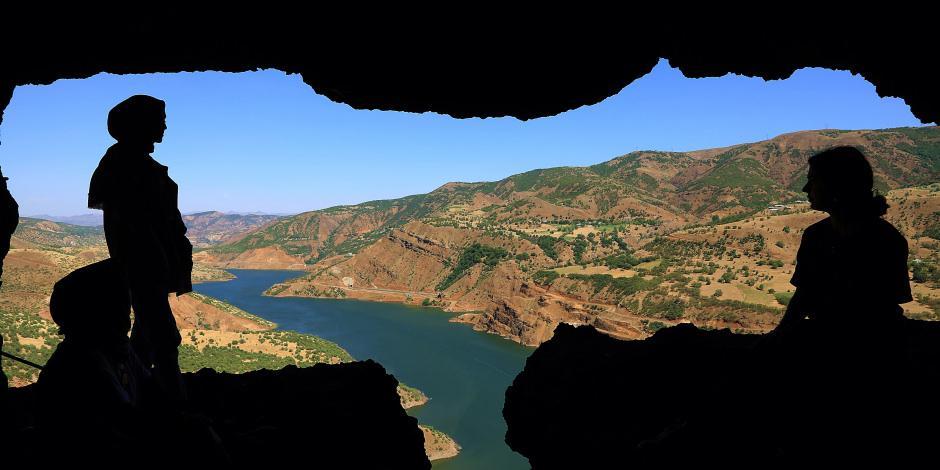 Muhteşem manzarasıyla 5 katlı 26 odalı Zağ Mağaraları