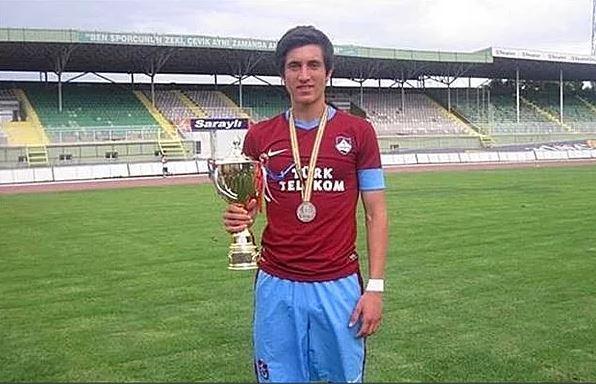 Trabzon Erdoğdu Anadolu Lisesi takımında Yusuf Yazıcı