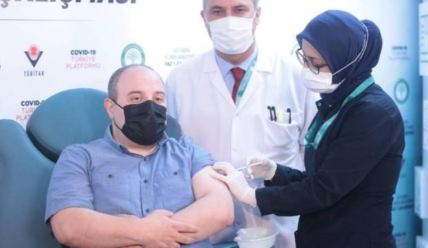 Son Dakika... Bakan Varank'tan yerli aşı açıklaması