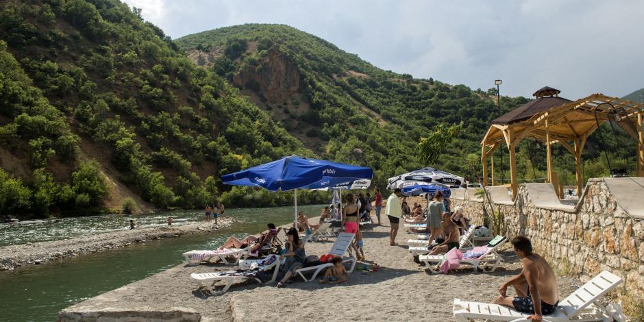 Tabiat harikası Tunceli'de doğal plajlar tatilcileri ağırlıyor