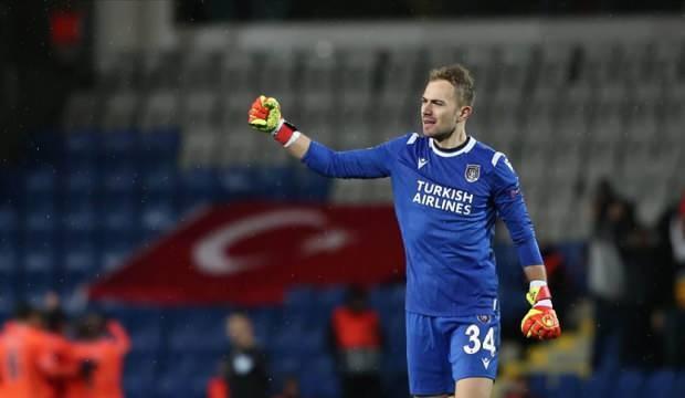Beşiktaş, Mert Günok transferini bitirdi!