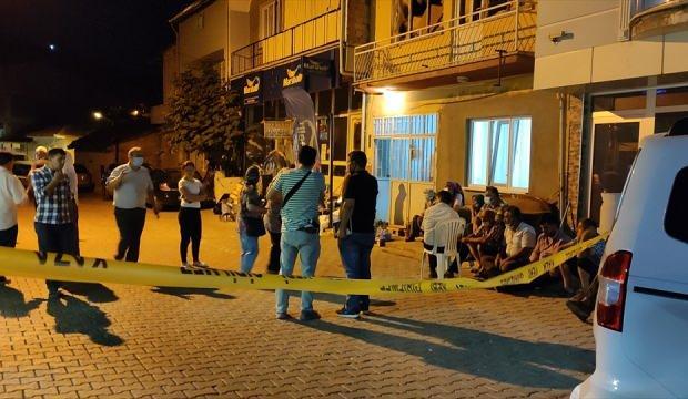 Denizli'de psikolojik tedavi gördüğü ileri sürülen kişi, annesini bıçakla öldürdü