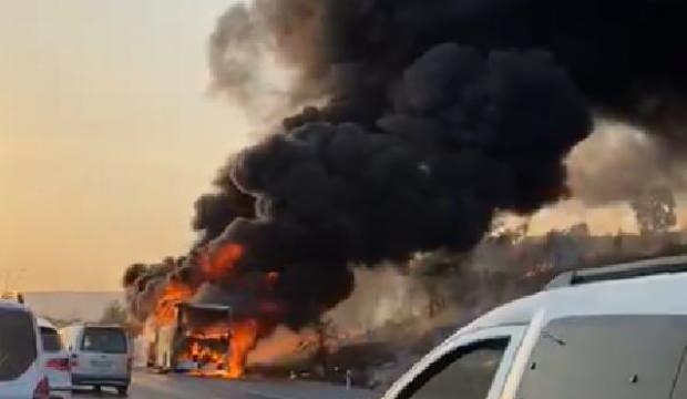 Yolcu otobüsü cayır cayır yandı: 33 yolcu son anda tahliye edildi