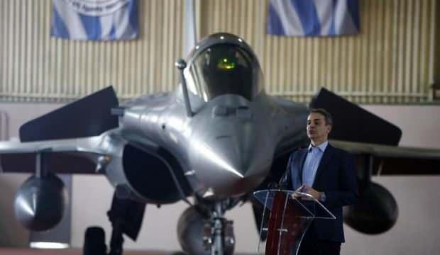 Yunanistan Fransa'dan sipariş ettiği ilk uçağı teslim aldı