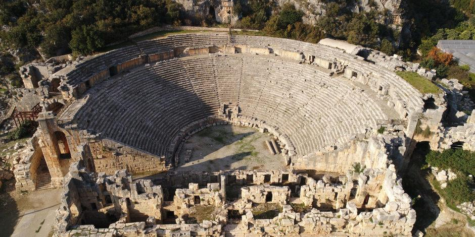 Anadolu'nun 'Pompei'si olan Myra Antik Kenti'nin altında tarih yatıyor