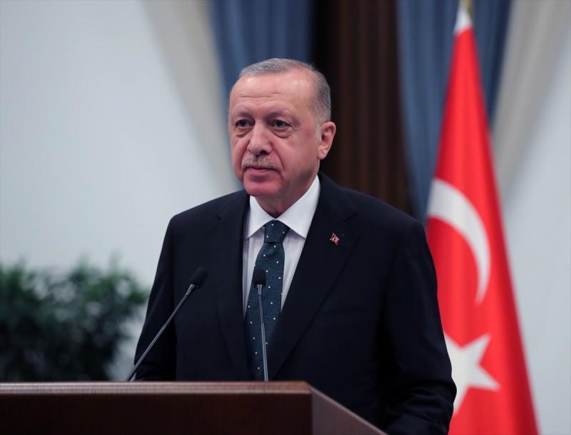 """Sakarya Sahası Gaz Yakma Töreninde konuşan Cumhurbaşkanı Erdoğan, """"Yaptırımlarla, tehditlerle, şantajlarla, yıldırmalarla bizi engellemeye çalıştılar hiçbirine eyvallah etmedik"""" demişti."""