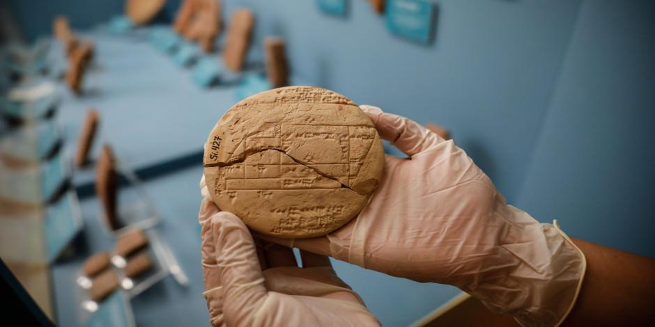 Babil'in 3 bin 700 yılık tableti İstanbul'da sergileniyor
