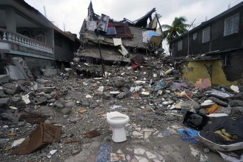 Haiti'deki depremde can kaybı 1941'e yükseldi