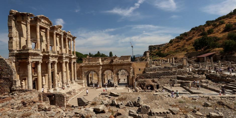 Efes Antik Kenti'nde ziyaretçi sayısı iki katına çıktı