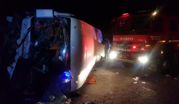 İki ilden feci kaza haberi: 7 ölü, 8 yaralı