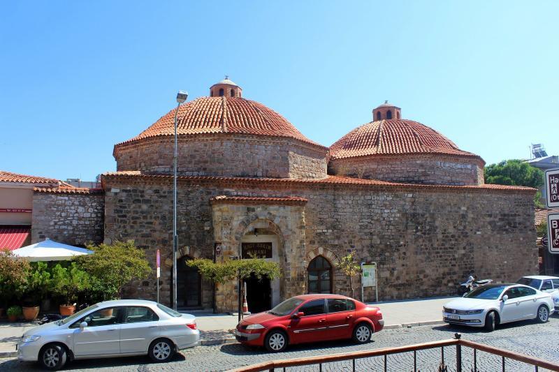 Hacı Hekim Camii