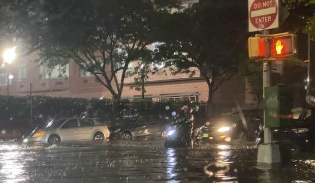 ABD'deki şiddetli yağışlarla oluşan selde 28  kişi hayatını kaybetti