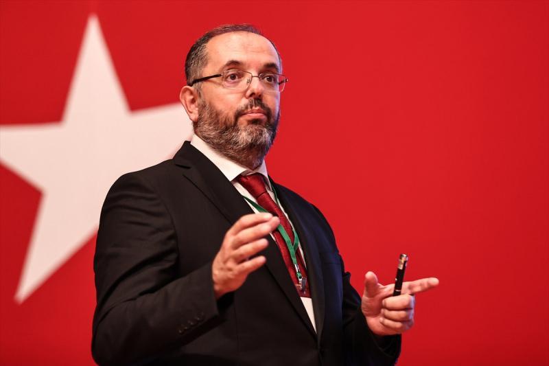 MSÜ Rektörü Prof. Dr. Erhan Afyoncu