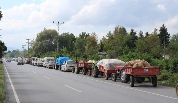 TMO önünde onlarca tarktör fındık için kuyruğa girdi
