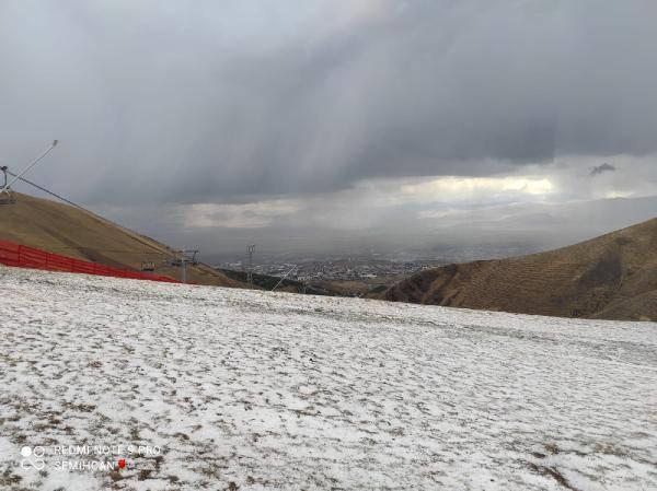 Son dakika: İlk kar yağışı haberi Erzurum'dan geldi!