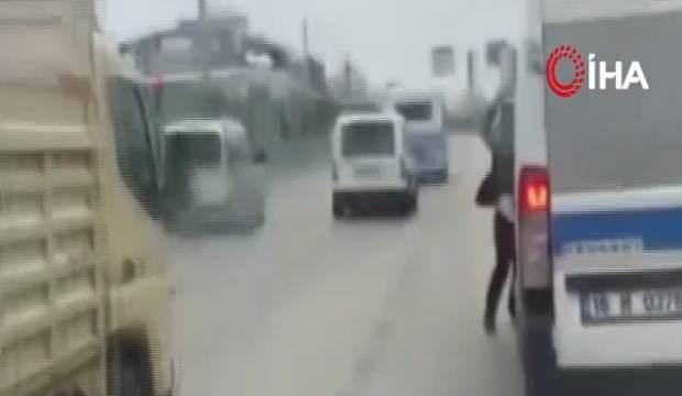 Bursa'da dehşet anları! Palayla yolcu minibüsüne saldırdı