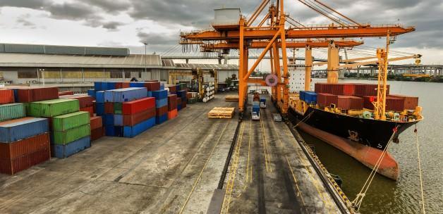 Dış ticaret açığı yüzde 15,4 azaldı