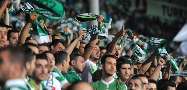Süper Lig taraftarsız start alacak!