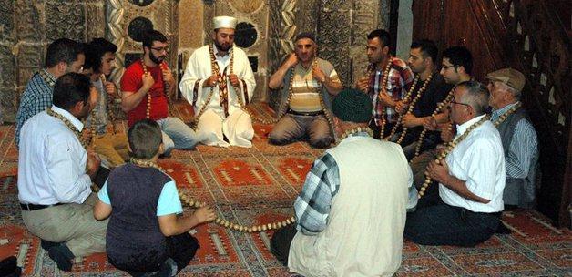Dev tesbih Ramazan'a hazır