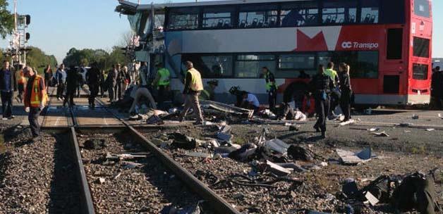 Mısır'da konvoya tren daldı: 24 ölü