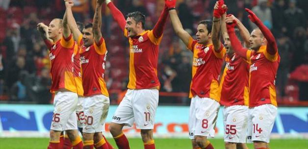 Galatasaraylı iki isme sürpriz talip!