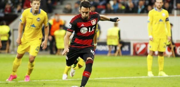 Hakan Çalhanoğlu Leverkusen'i uçurdu