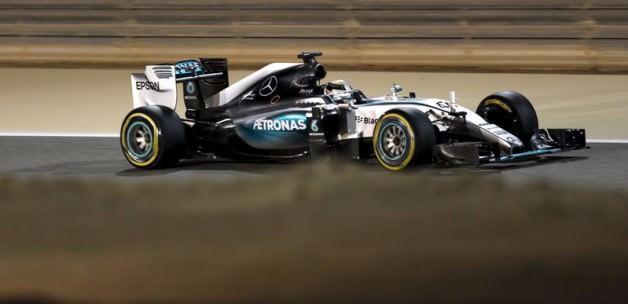 Hamilton üst üste 4. kez 'pole' pozisyonunda
