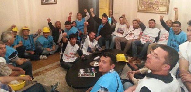 İşçiler Türk İş Genel Merkezi'ni bastı