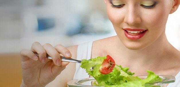 Sahurda bol domates yiyin