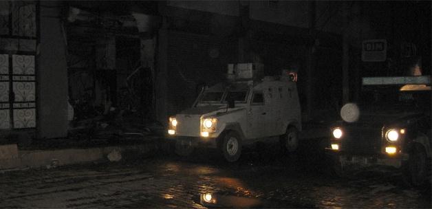 PKK, Silopi'de bir marketi ateşe verdi