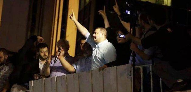 Şafak Sezer binlerce vatandaşa tekbir getirtti