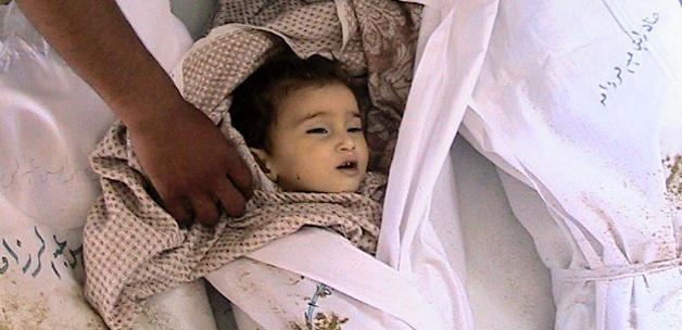 Suriye'de bebekler donarak ölüyor