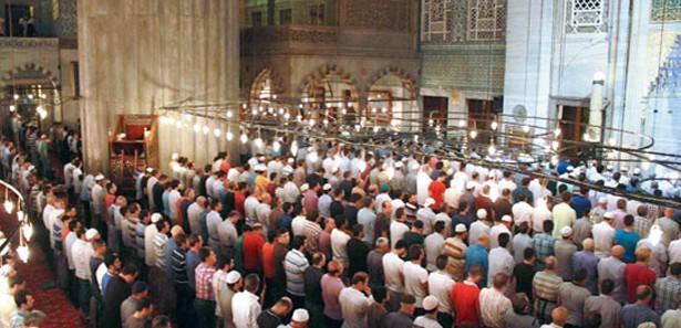 Teravih için Erzurum'dan Sultanahmet'e geldiler