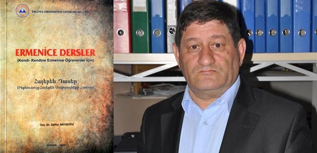 Türkiye'nin ilk Ermenice ders kitabı çıktı