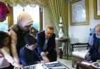 Köşe yazarlarından Ara Güler'e destek