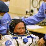 ABD'li astronot uzaydan 5 santim uzayarak döndü