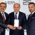 Vefa Holding 25 yaşında
