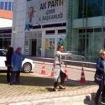 AK Parti binasında zehirli gaz paniği
