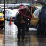 İstanbul'u yağmur vurdu! Trafik felç