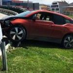 Yıldız futbolcu Bursa'da kaza geçirdi!