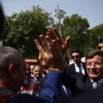 Başbakan Davutoğlu'ndan okul ziyareti