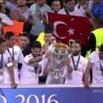 Dev finale Türk bayraklı taraftar damga vurdu!