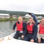 Bolu ve Düzce valileri kayıkla göl turu yaptı