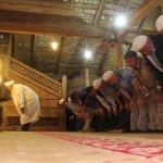 840 yıllık tarihi çivisiz camide ilk teravih kılındı