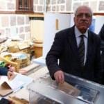 Sezai Karakoç yeniden genel başkan