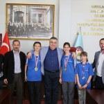 Başarılı sporculardan Kesimoğlu'na ziyaret