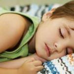 Alerjisi olan çocuğun tedavisini yazın yaptırın